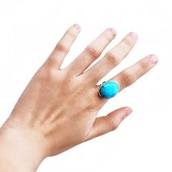 Oval gemstone ring