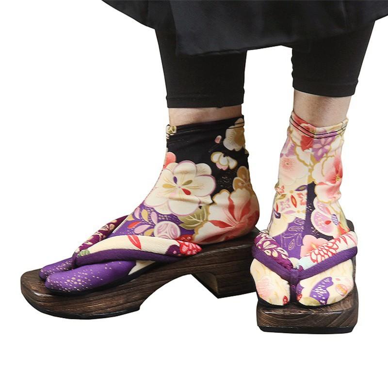 Chaussettes tabi à fleurs violettes